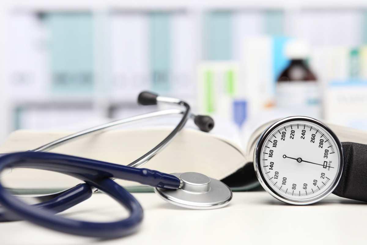 Rigidità aortica e rischio di eventi cardiovascolari nei pazienti con ipertensione resistente