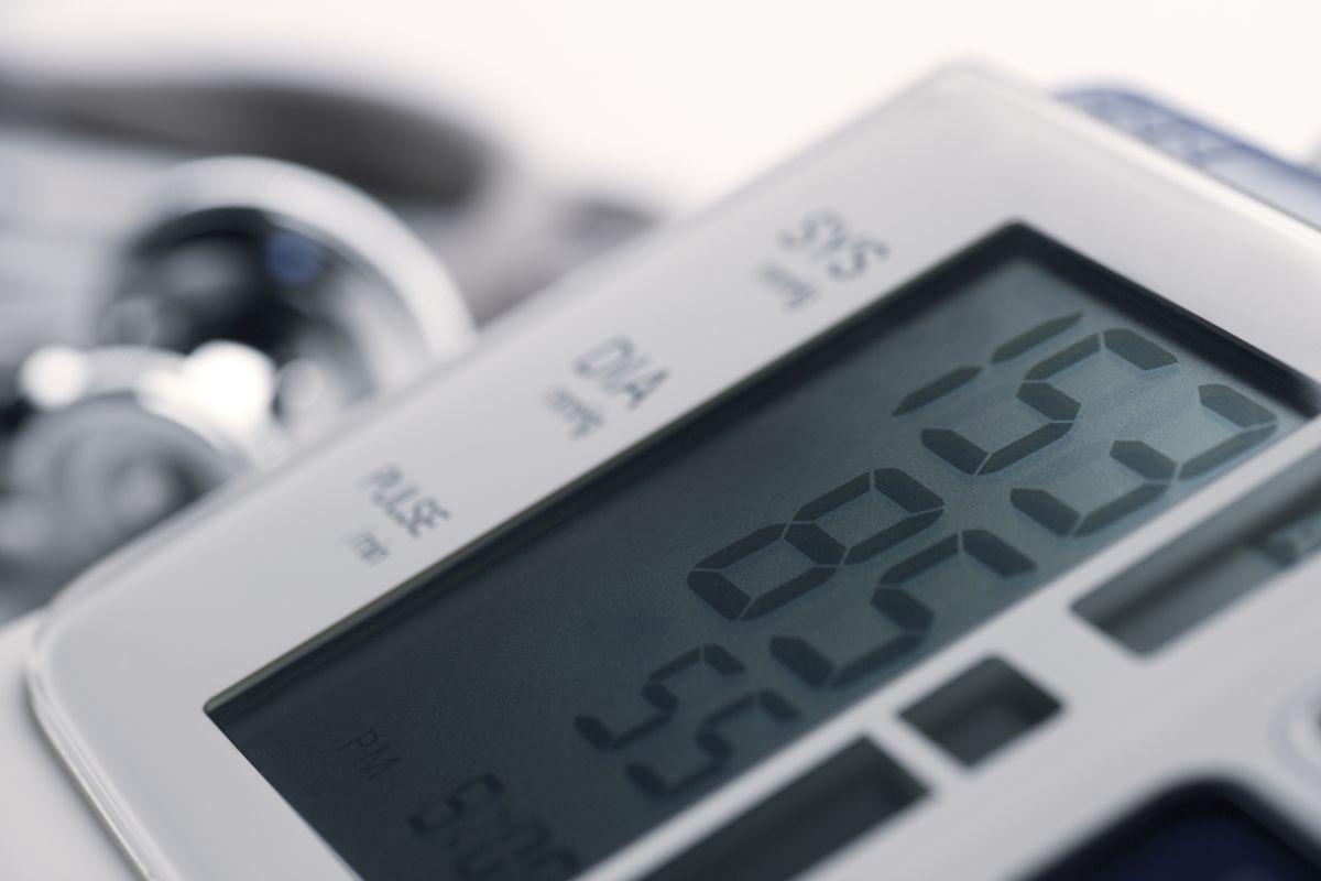Ricerca della ipotensione ortostatica nei pazienti ipertesi: c'è un ruolo per la misurazione domiciliare della pressione arteriosa?